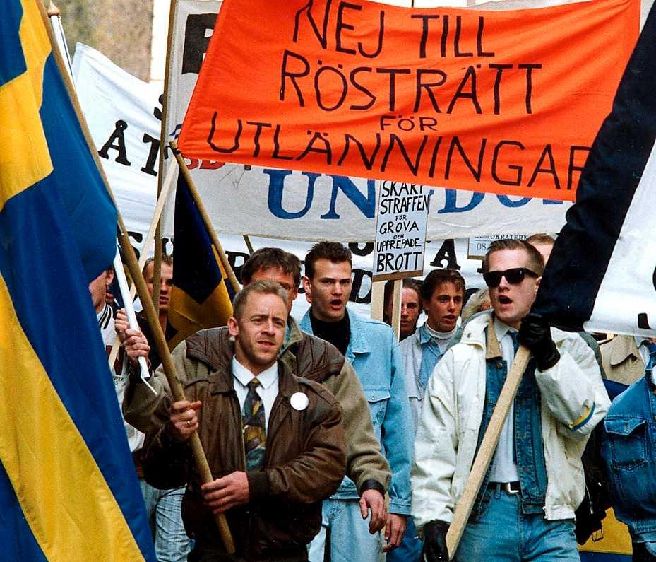 Sverigedemokrater demonstrerar 1991. De centrala delarna i SD:s politik har inte ändrats sedan starten 1988, skriver Petter Larsson.