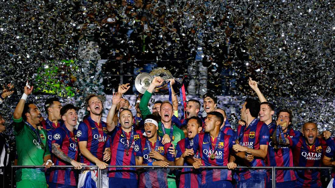 Barcelonas spelare firar segern i Champions League, som en svensk vann storkovan på.