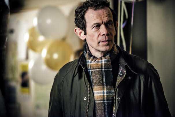 """""""Fallet"""" i SVT. I en av huvudrollerna syns Tony Award-nominerade Adam Godley, känd från """"Breaking Bad"""" och """"Suits""""."""