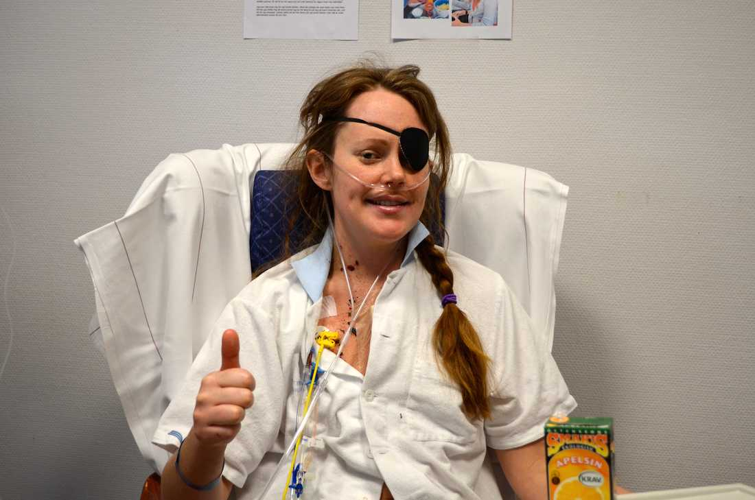 Emma låg nedsövd en vecka när hon fick ett nytt hjärta. Efteråt var hon glad men svag.