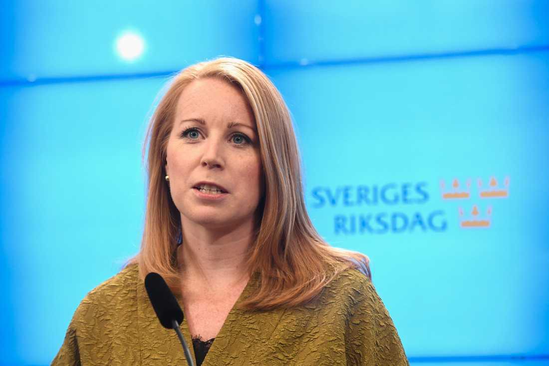 Annie Lööf (C) har drabbats av en hatstorm i sociala medier –till följd av S-samarbetet.