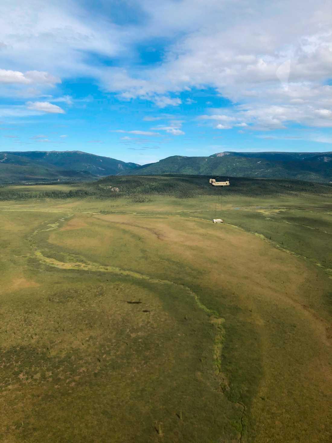 Turister har i flera år vallfärdat till bussen. När den nu lämnat sin plats i Alaskas vildmark kan den i stället komma att ställas ut.