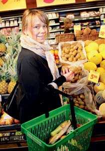 Katja Kristoferson handlar ekologiskt.