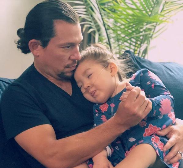 På Instagram delade Mamma Kelly under söndagen nyheten om dotterns död.