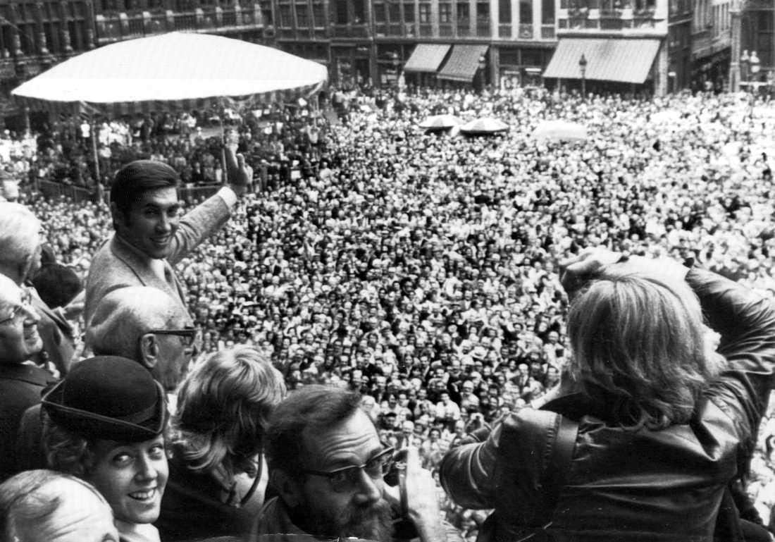 Eddy Mercx hyllas efter segern i Tour de France 1972