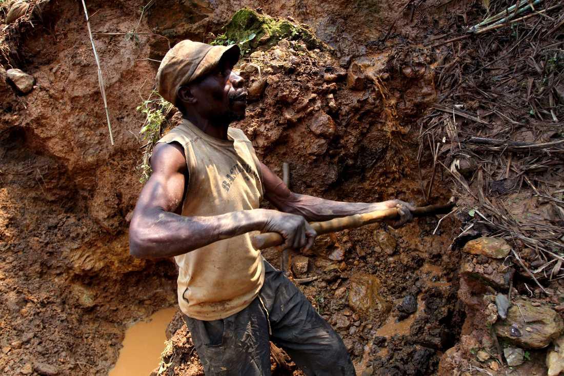 Ett tjugotal gruvarbetare har omkommit till följd av jordskred i östra Kongo-Kinshasa. Olyckan är en av många kopplade till provisoriska gruvor i den afrikanska nationen. Arkivbild.