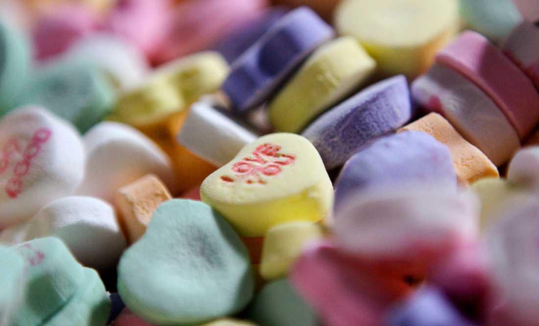 """I år får många amerikaner klara sig utan det hjärtformade godiset """"Sweethearts"""" när de vill uttrycka sina känslor på alla hjärtans dag. Arkivbild."""