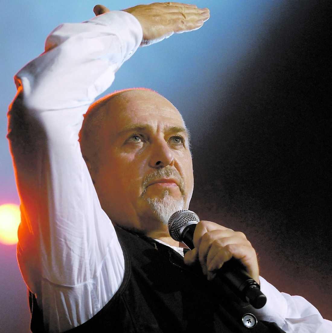 Peter Gabriel började sin karriär redan på 70-talet.