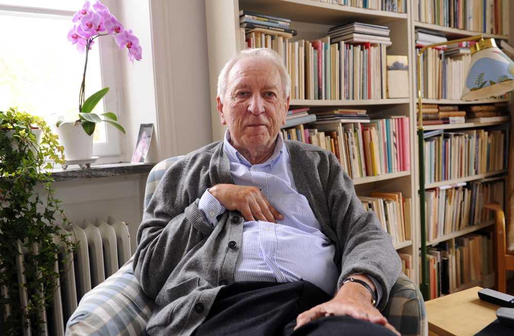 Från 2011 när Tomas belönades med Nobels litteraturpris.