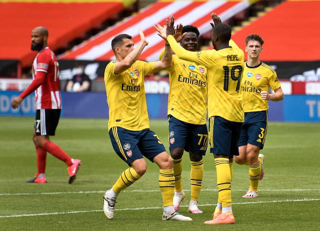 Nicolas Pépé firar sitt straffmål i FA-cupkvartsfinalen borta mot Sheffield United.