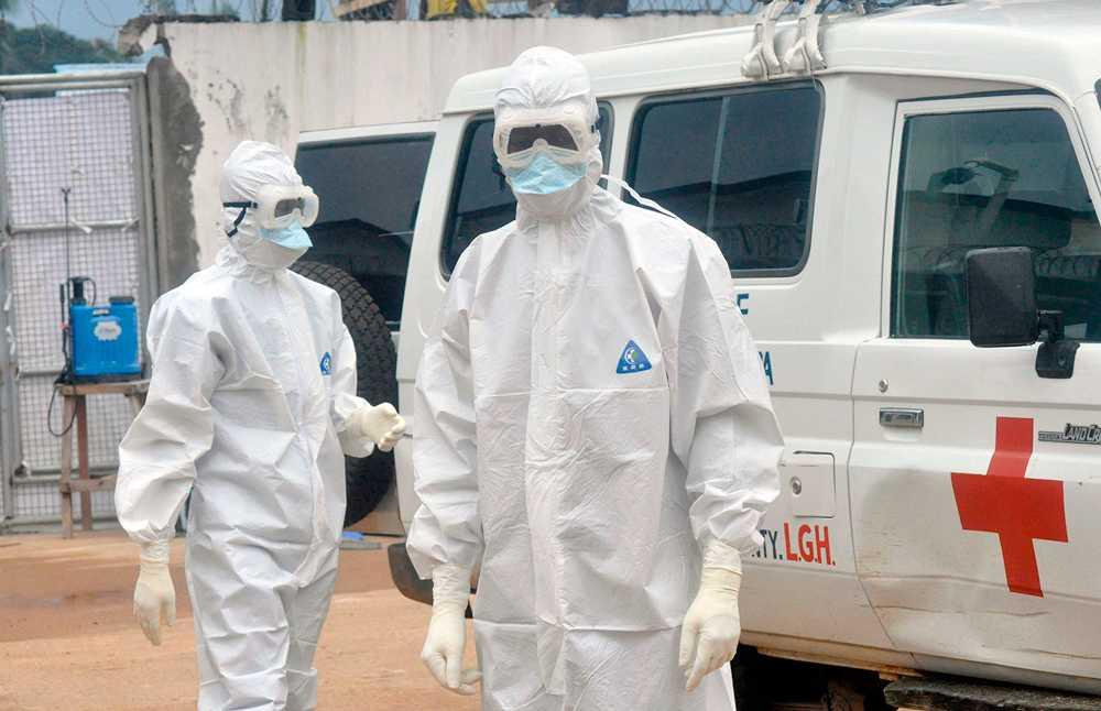 Sjukvårdare under ebolaepidemin i Västafrika.
