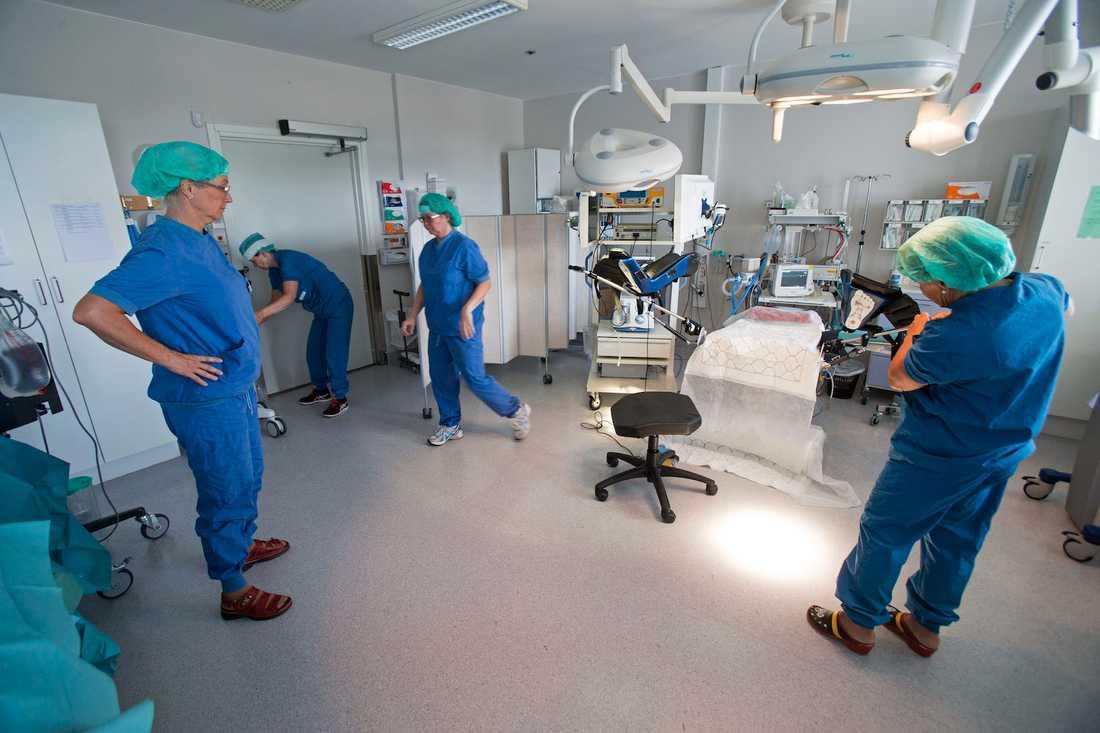 Eva Uustals operationsteam på kvinnokliniken på Linköpins universitetssjukhus.