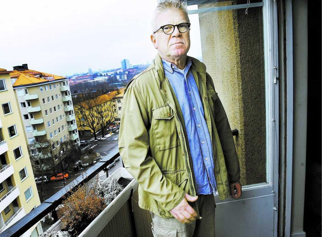 """upprörd """"Det som jag retar mig mest på, är att beslutet fattades retroaktivt. Det fanns inte med på kartan när jag sålde"""", säger Rolf Eriksson om den nya skatten."""