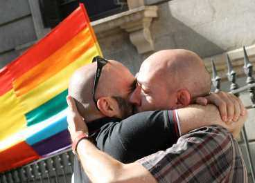 Si! Homoäktenskap tillåts i Spanien