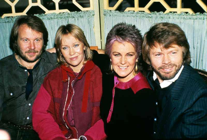 De föll offer för domino-effekten Björn Ulvaeus och -Agnetha Fältskog skilde sig 1979 … … och ett år senare gick -övriga delen av Abba, Benny Andersson och Anni-Frid Lyngstad, samma öde till mötes.