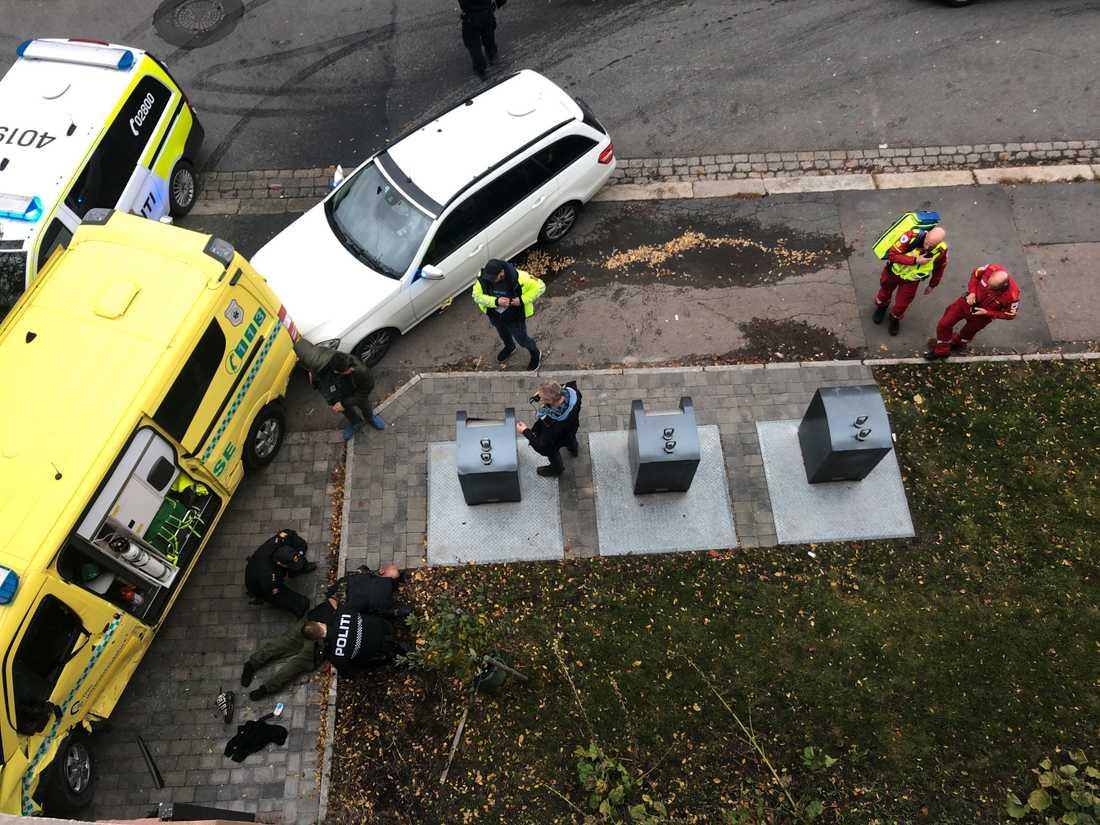 Här grips mannen i Oslo av polisen.