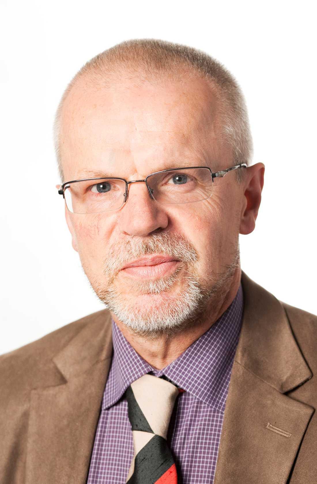 Det skulle vara helt uteslutet att man hade separata rättegångar. Det skulle se parodiskt ut, säger Lars-Erik Bergström, lagman vid Falu tingsrätt, om hur en rättegång och en bevistalan kan komma att hållas.