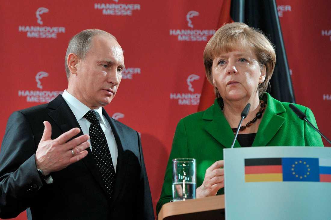 Putin var i Hannover för att träffa Merkel under en industrimässa, när han fick frågan om krisen i Nordkorea.