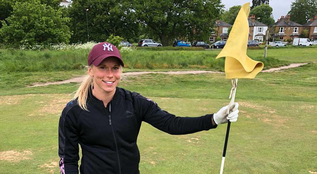 Jonna Andersson firade på golfbanan.