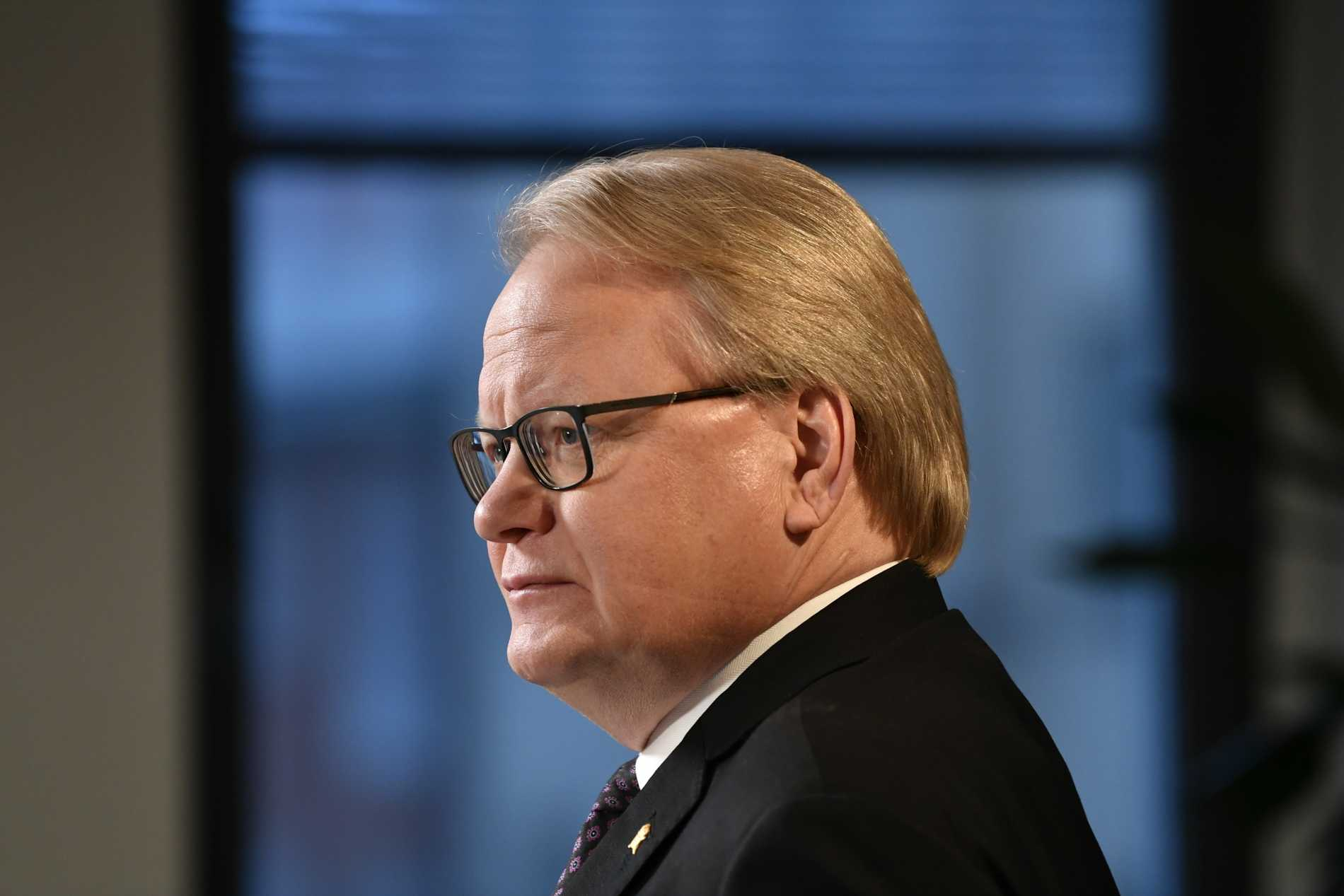Hultqvist: Måste agera strikt