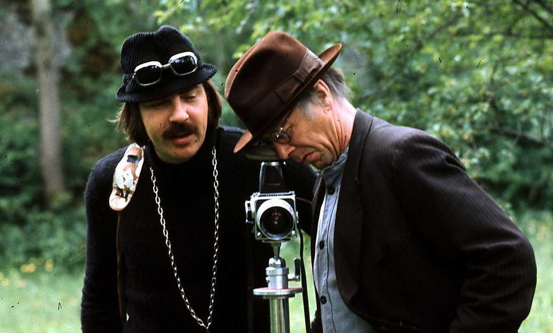"""Janne """"Loffe"""" Carlsson och Allan Edwall i tv-filmen """"Vem älskar Yngve Frej?"""" 1973."""