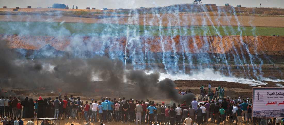 Blodig måndag vid gränsen mellan Gaza och Palestina efter protester mot USA:s ambassadflytt.