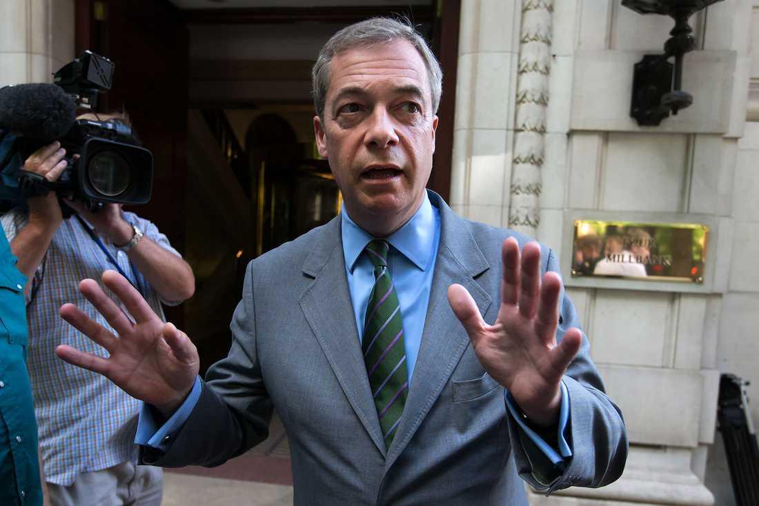 Förre Ukipledaren Nigel Farage öppnar för comeback.