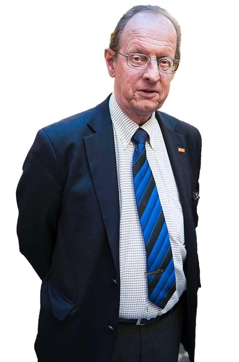 Bo Könberg, en av arkitekterna bakom det nya pensionssystemet, får hård kritik av läsarna.