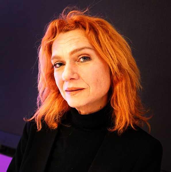 Aslı Erdogan (född 1967), turkisk författare.