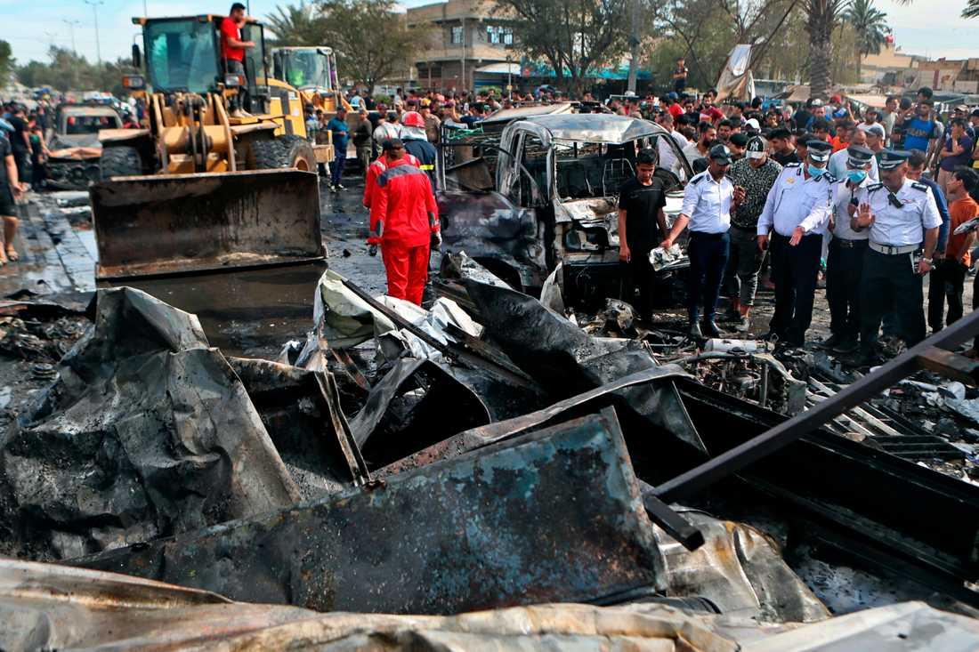 Förödelse efter bombdådet i Iraks huvudstad Bagdad.