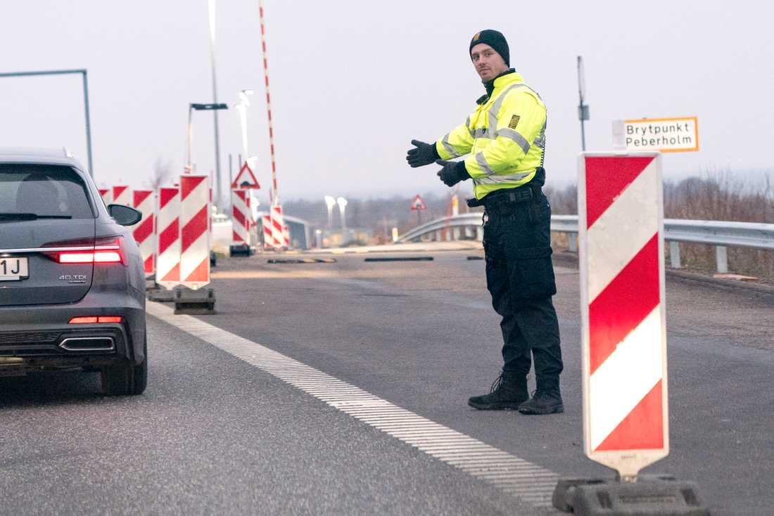 Här på Pepparholm intill Öresundsbron genomför dansk polis stickprovskontroller. Arkivbild.