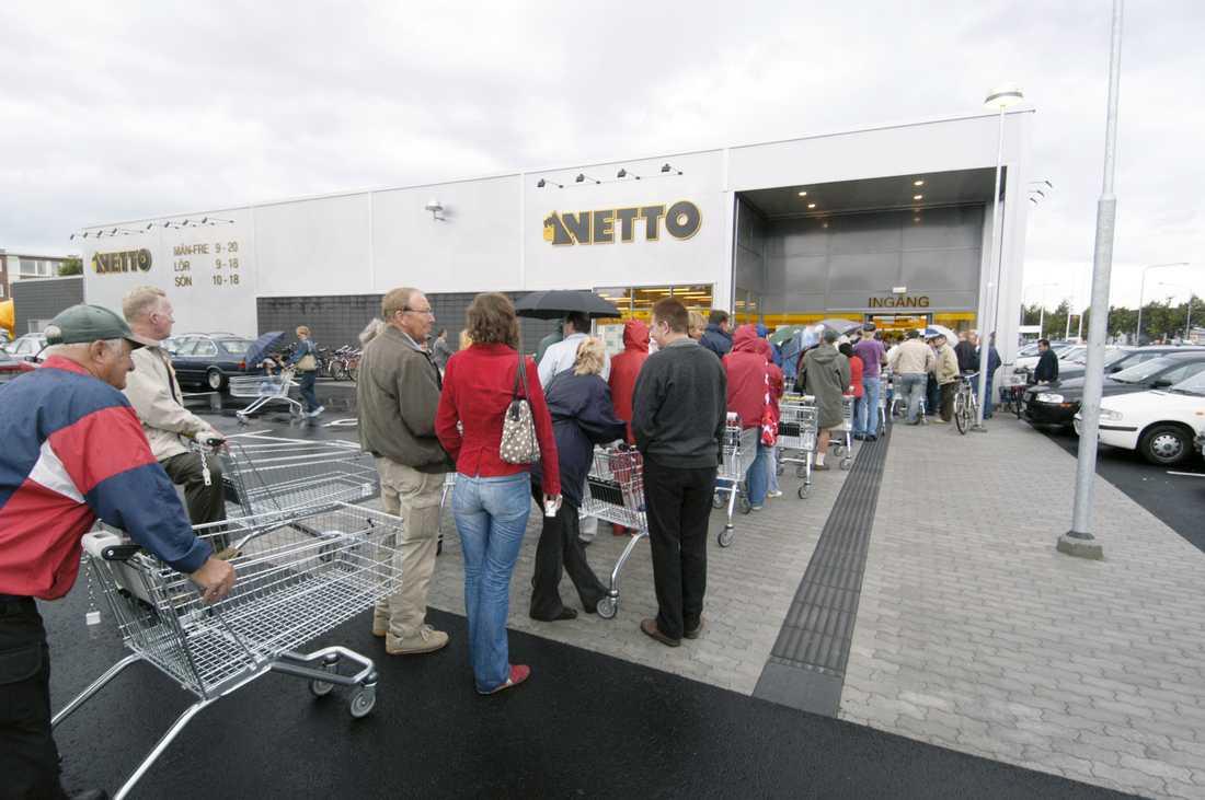 Så här kunde det se ut när Netto öppnade en butik 2004 i Halmstad. Arkivbild.