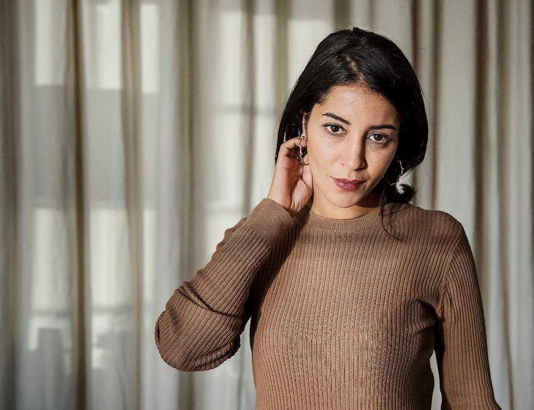 """""""FANTASTISKT I KIRUNA"""" Leïla Bekhti säger att fyra månader är en lång tid, men hon är glad över att hon har fått uppleva inspelningen i norra Sverige. """"Det var naturligtvis fantastiskt. När jag var i Kiruna så blev jag verkligen Kahina. Sen kom jag naturligtvis tillbaka till mitt vanliga liv efteråt."""""""