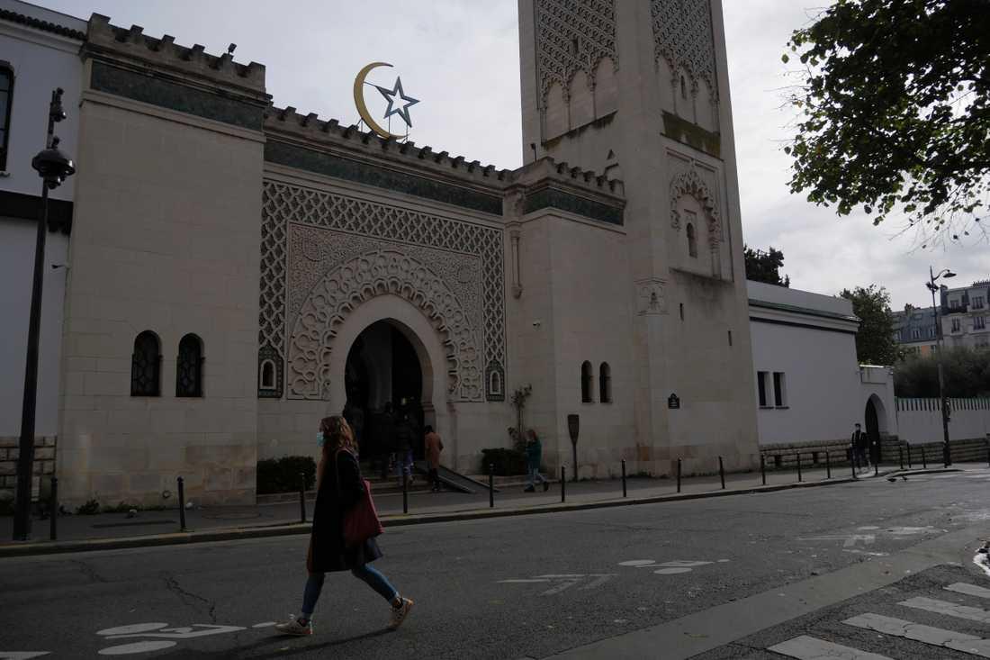 Frankrikes muslimer är på väg att få en gemensam stadga med grundläggande värderingar. Arkivbild på en moské i Paris.