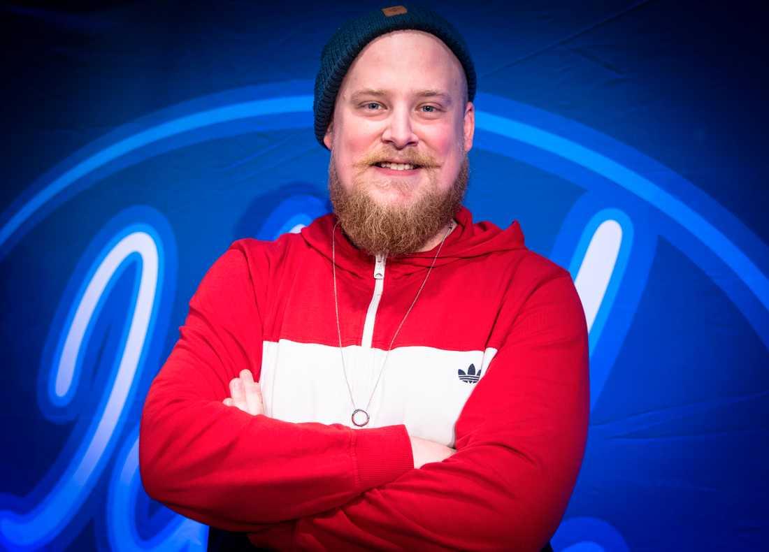 Magnus Schönberg, 28, skickade en video till TV4 och fick gå före i kön.
