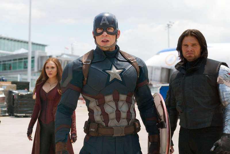 BRA UPPLÄGG Captain America (Chris Evans) ställs emot sina forna vänner efter att ett uppdrag i Nigeria har spårat ur.