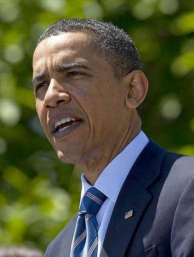 PÅ PLATS I KATASTROFOMRÅDET Obama åkte ner till Mexikanska golfen under söndagseftermiddagen.