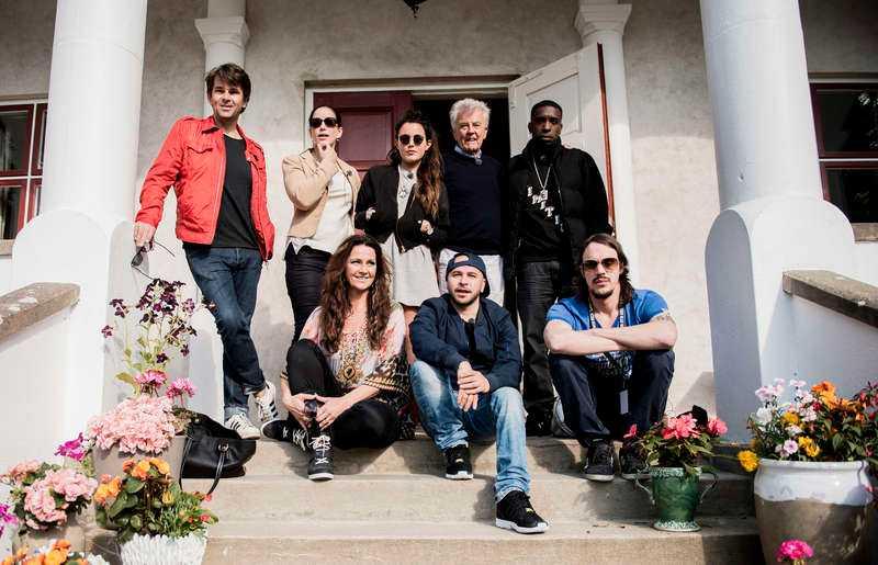 """Bakre raden från vänster: Niklas Strömstedt, Lisa Nilsson, Miriam Bryant, Sven-Bertil Taube och Ison Glasgow. Främre raden: Jenny Berggren, Felipe """"Fille"""" Leiva Wanger och Andreas Kleerup."""