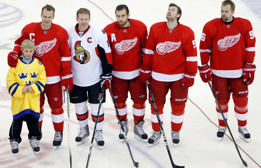 OS-guldmedaljörerna hyllas i NHL.