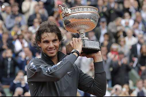 2012 Rafael Nadal besegerar Novak Djokovic i finalen 6–4, 6–3, 2–6, 7–5.