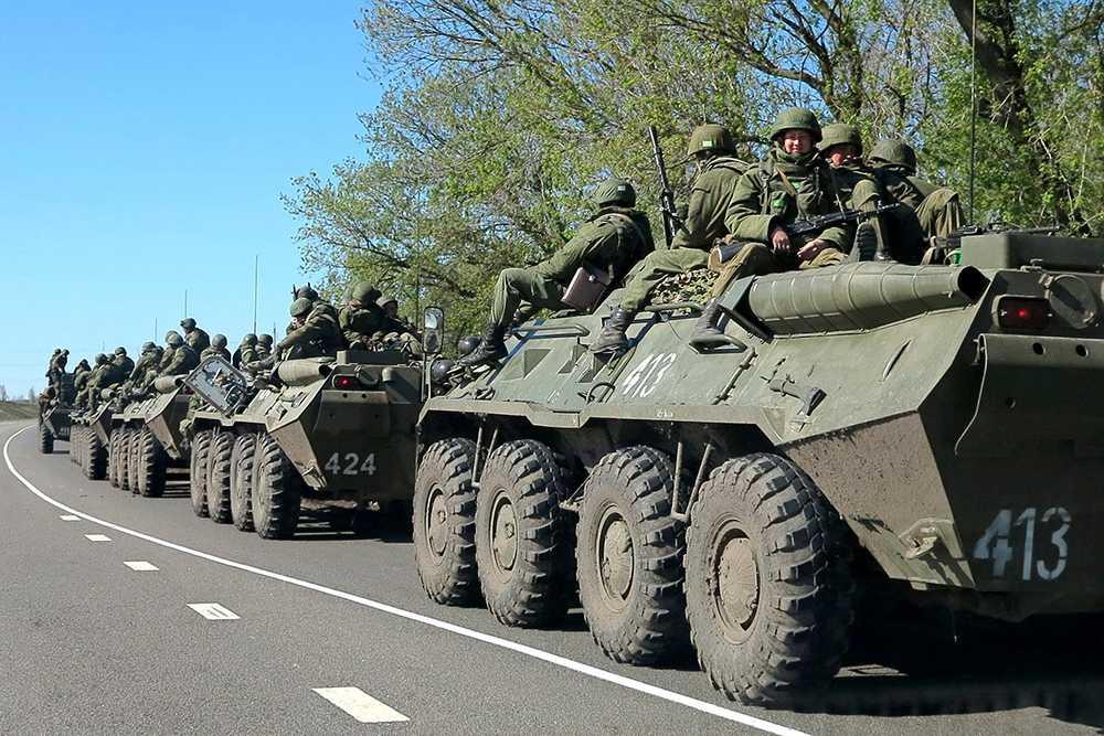 Ryska trupper i staden Belgorod nära den ukrainska gränsen.