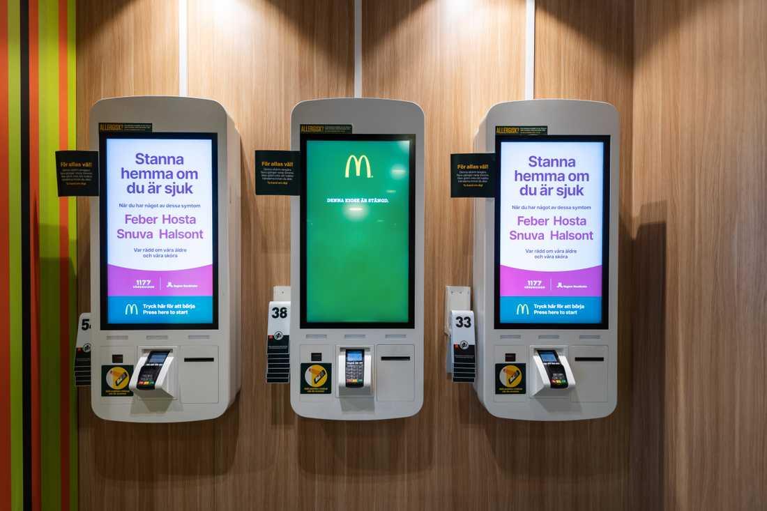 Varannan självserviceautomat på McDonalds på Folkungagatan i Stockholm har nu i stället information om viruset. Syftet är att minska trängseln vid automaterna.