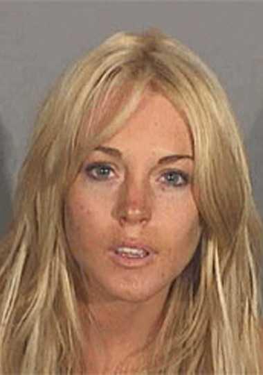 84 minuter, alltså två minuter längre än Hollywood-kollegan Nicole Richie, fick skådespelerskan Lindsay Lohan, 21, tillbringa i finkan. Ett straff som hon fick efter att ha kört bil berusad och med kokain på fickan i juli 2007.