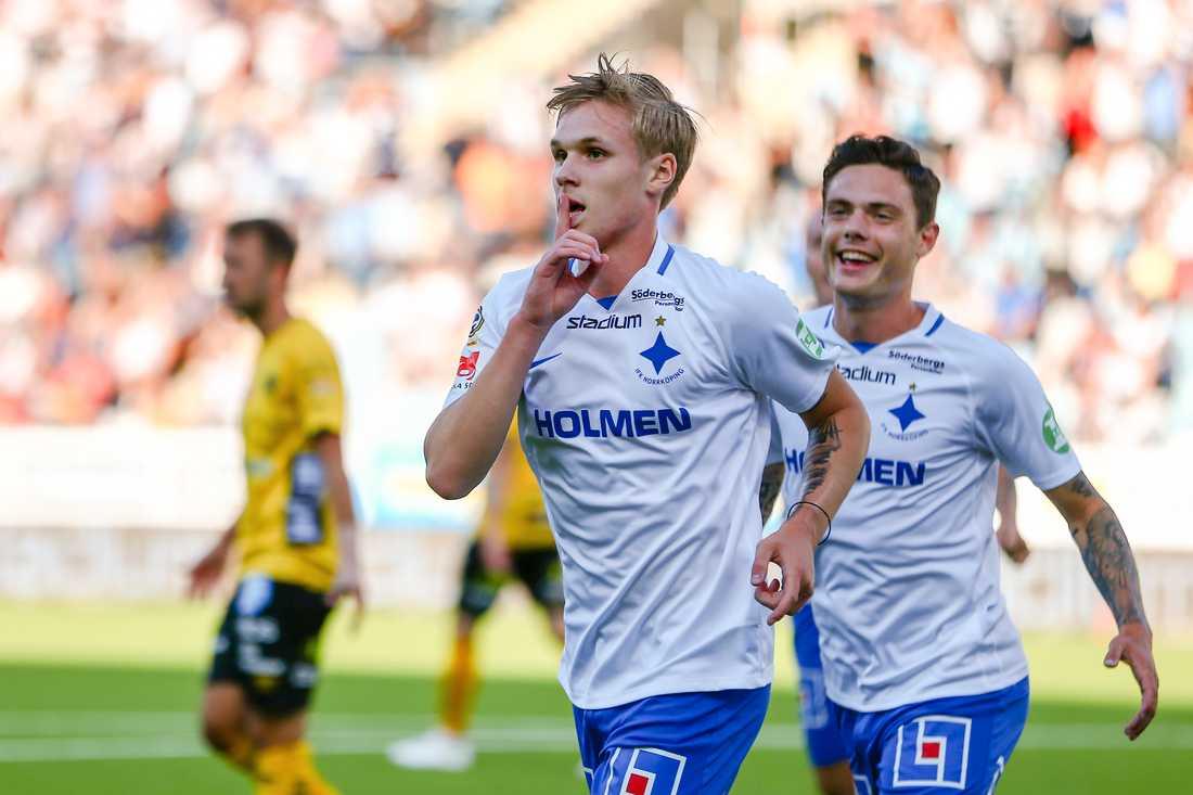 Sigurdsson gjorde 1–0-målet ur en minst sagt snäv vinkel.