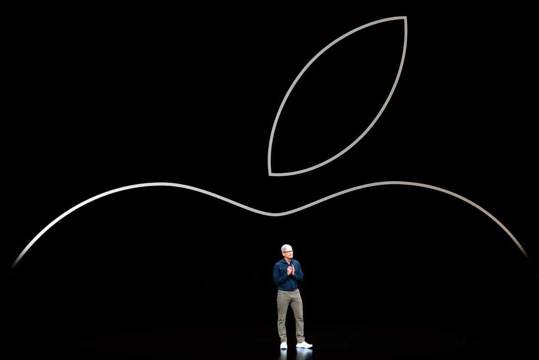 Elektronikjätten Apple, med koncernchefen Tim Cook, rider på en våg av förväntningar inför höstens 5G-telefoner och väntas redovisa både försäljnings- och vinstlyft för fjärde kvartalet 2019. Arkivbild