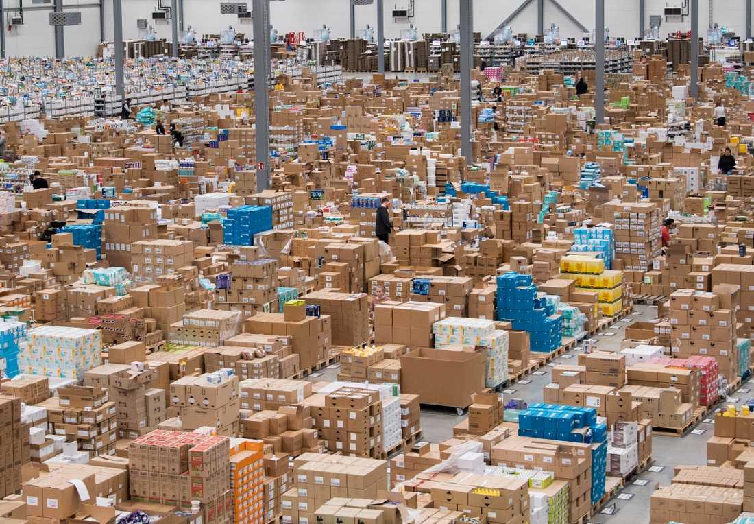 Nätapoteket Apoteas enorma logistikcenter. Arkivbild.