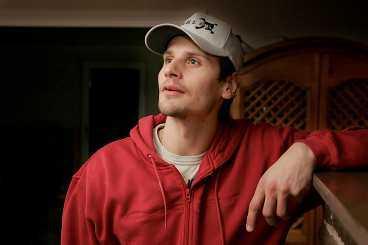 """ryktenas man Andreas Salomonsson har haft en tungsäsong och det har florerat många rykten kring hans frånvaro på isen. men det var """"bara"""" bihåleinflammation och luftrörskatarr. Foto : HÅKAN NORDSTRÖM"""