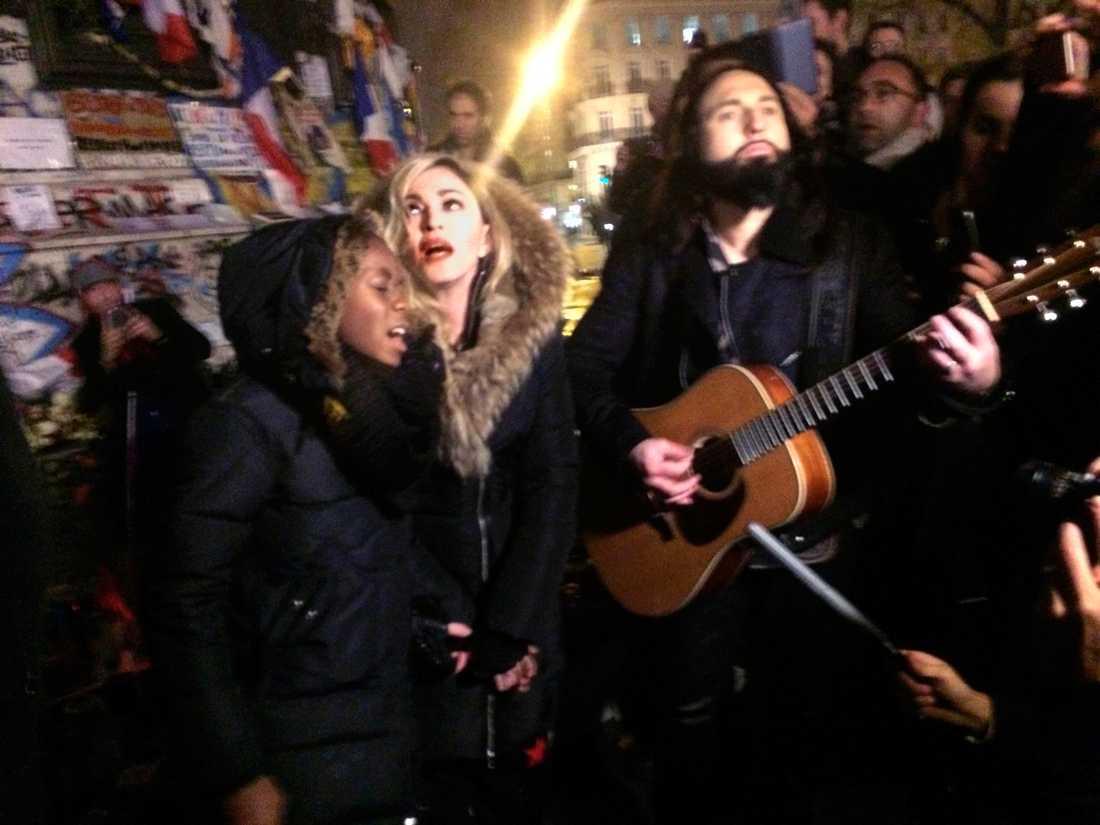 Madonna och sonen David.