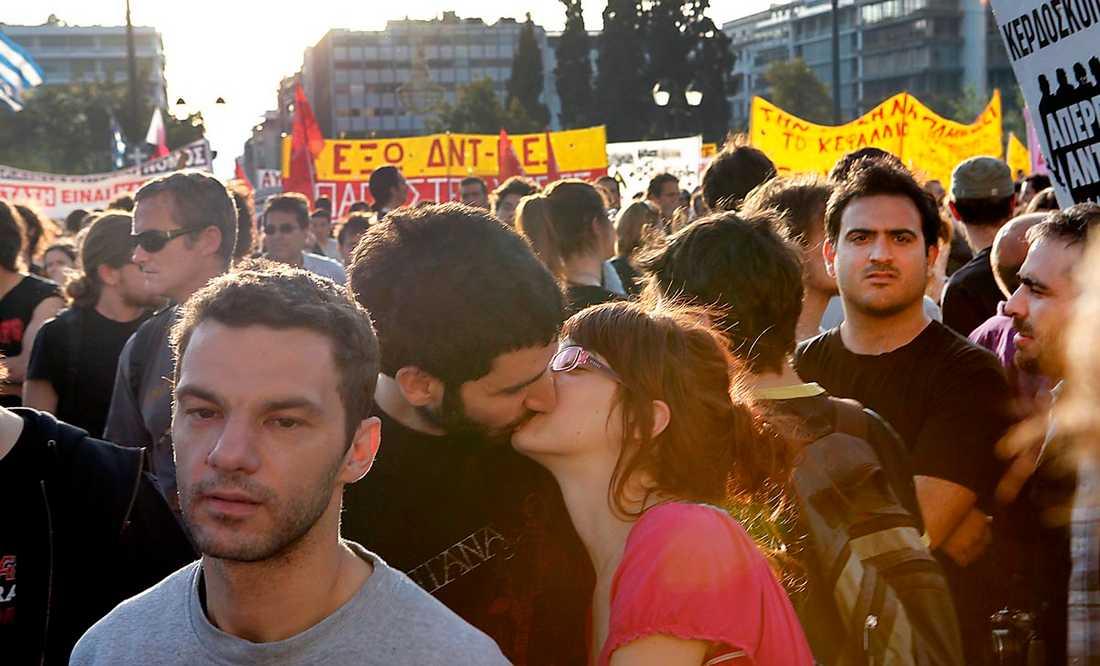 Missköter sig I Grekland har de hårda sparkraven under finanskrisen utlöst demonstrationer.