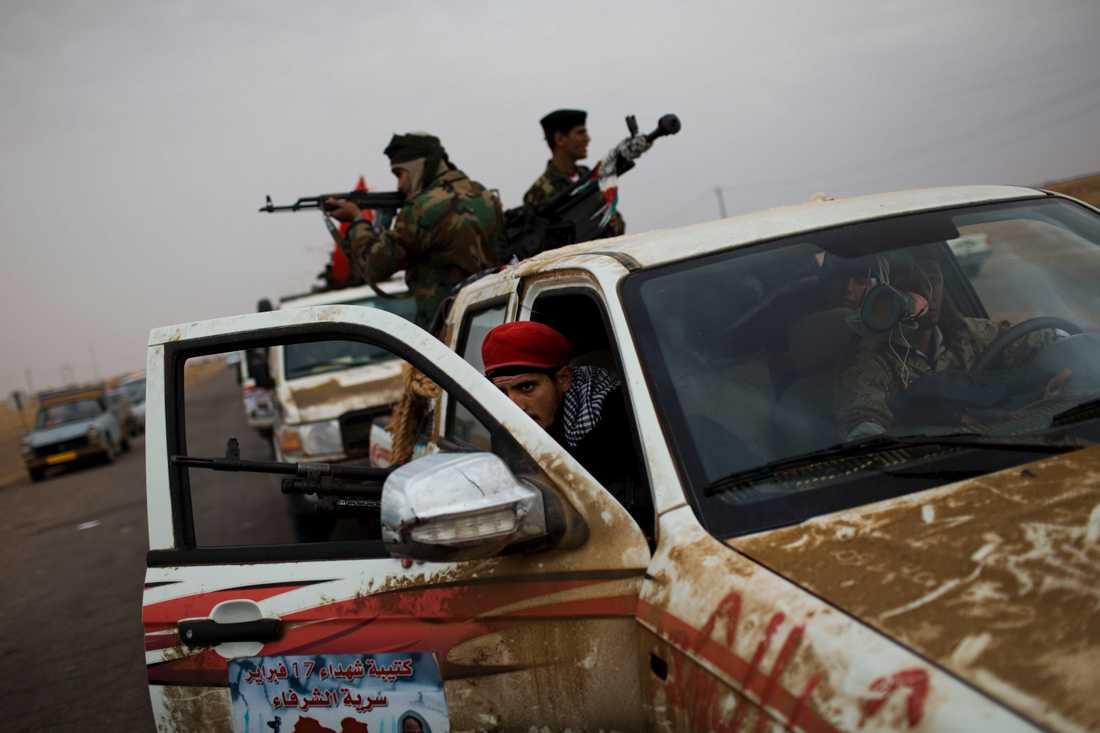 Protesterna mot Gaddafis diktatur ledde snabbt till ett uppror.